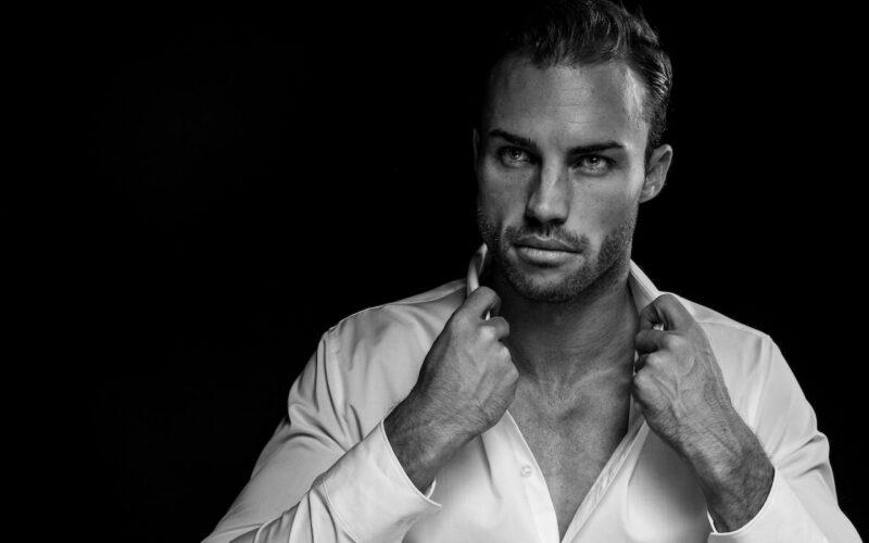 Top 10 Sextiest Celebrity Men That Are Trending Online