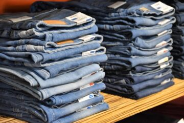What Women's Jeans Are In Style 2021?