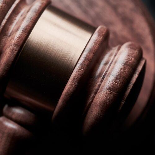 5 Key Characteristics of a Good Law Firm